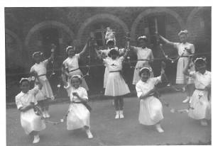 1958-1959 danse pour une fête de fin d'année, peut-être.....